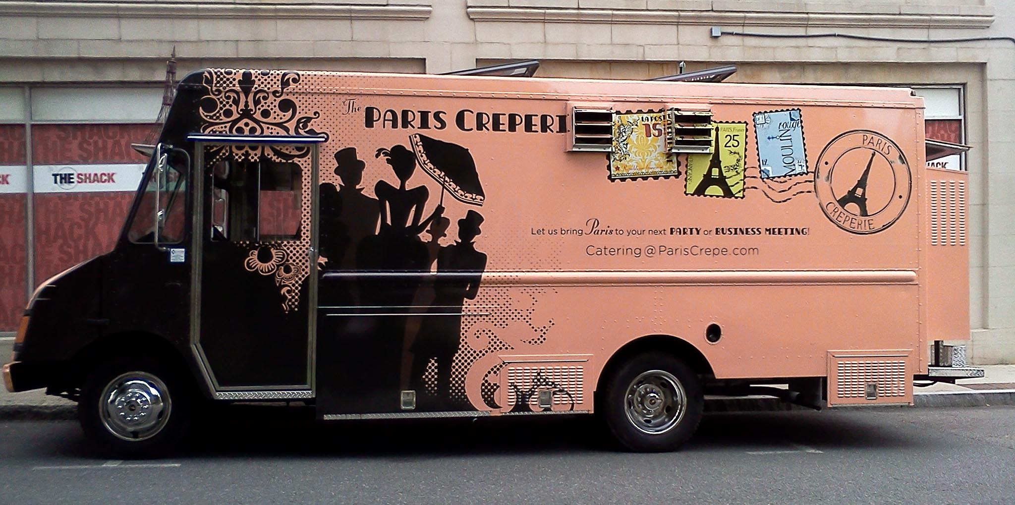 Paris creperie food truck mobile crepes on la tour eiffel for How to design a food truck